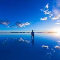 ウユニ塩湖鏡張り