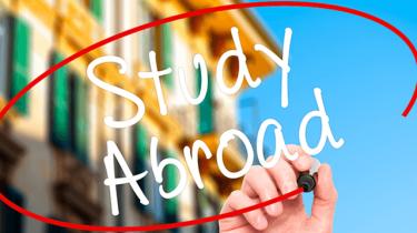 留学よくある質問から♪〜いつ行くのがいい?夏休み短期留学